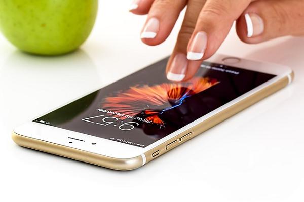 携帯電話のバッテリーを長持ちさせるために重要な3つのポイント