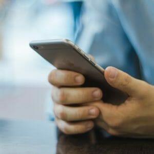 意外と知られていない携帯電話料金の引き落とし時間について