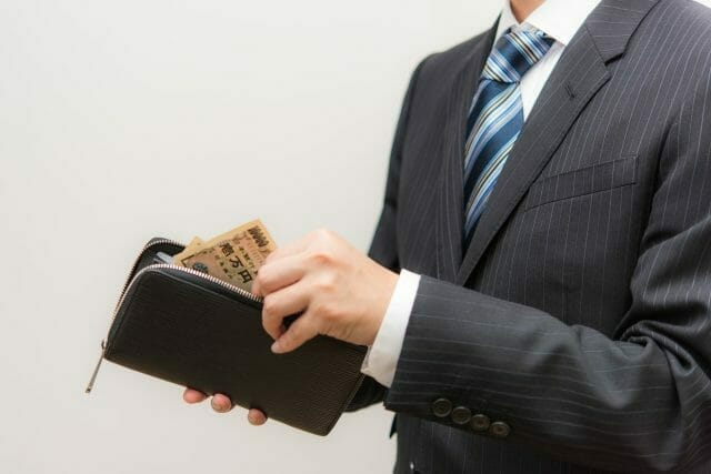 キャバクラってどのくらいお金かかるの?お店の料金システムを把握しよう